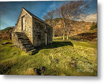 Country Cottage Metal Print by Adrian Evans