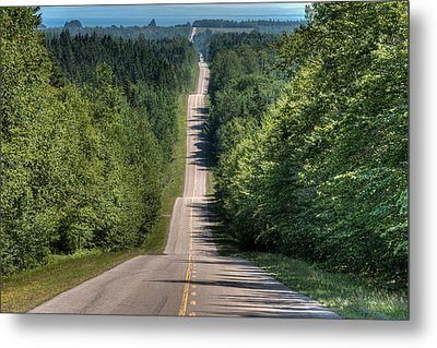 Country Road On Rolling Hills Metal Print