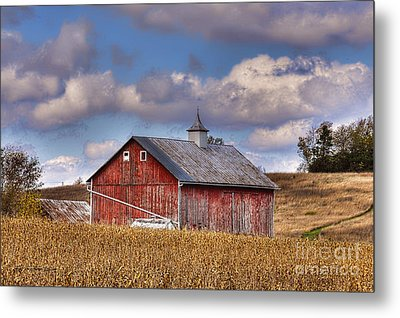County G Barn In Autumn Metal Print by Trey Foerster