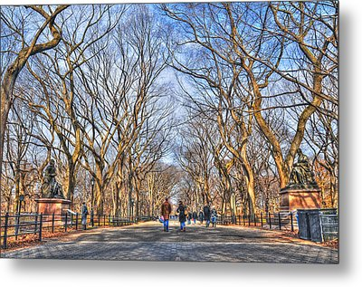 Couple At Literary Walk Metal Print by Randy Aveille