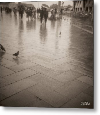 Couple Walking In The Rain San Marco Metal Print by Beverly Brown