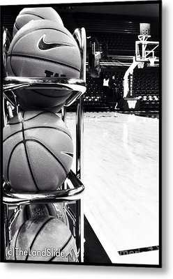 Courtside Metal Print by Ronnie Glover