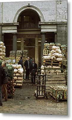 Covent Garden Market London 1973 Metal Print by David Davies