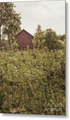 Covered Barn Metal Print by Margie Hurwich