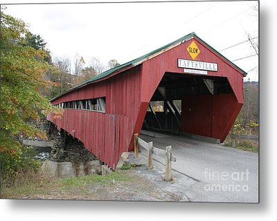 Covered Bridge Taftsville Metal Print by Christiane Schulze Art And Photography
