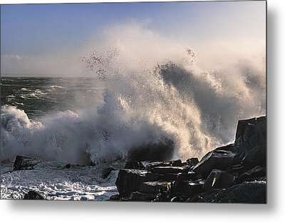 Metal Print featuring the photograph Crashing Surf by Marty Saccone