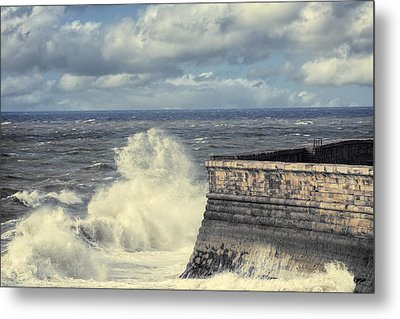 Crashing Waves Metal Print by Amanda Elwell