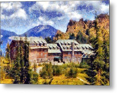 Crater Lake Lodge Metal Print