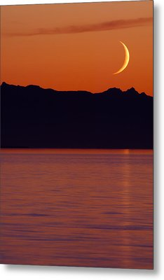 Crescent Moon Metal Print by Jim Lundgren