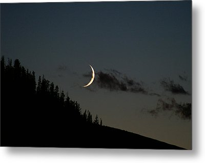 Metal Print featuring the photograph Crescent Silhouette by Jeremy Rhoades