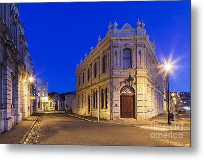 Criterion Hotel Oamaru New Zealand Metal Print by Colin and Linda McKie