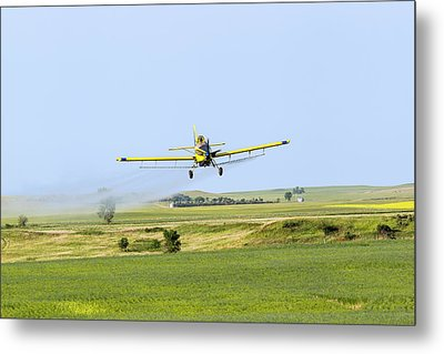 Crop Duster Airplane Spraying Flax Metal Print