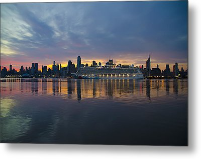 Cruise Liner On The Hudson At Dawn Metal Print by Bill Cannon