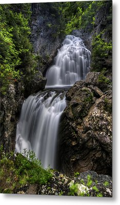 Crystal Cascade In Pinkham Notch Metal Print