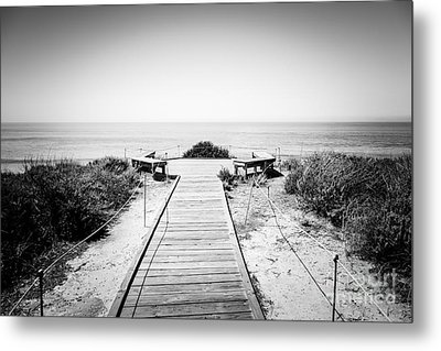 Crystal Cove Overlook Black And White Picture Metal Print by Paul Velgos
