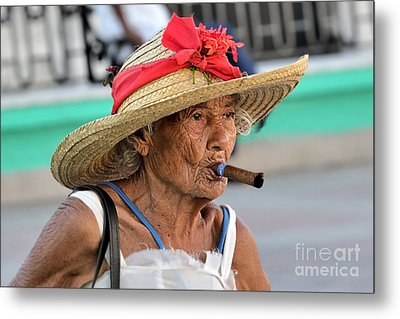 Metal Print featuring the photograph Cuban Lady by Jola Martysz