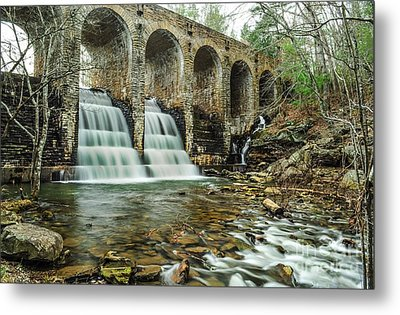 Cumberland Waterfall Metal Print by Debbie Green