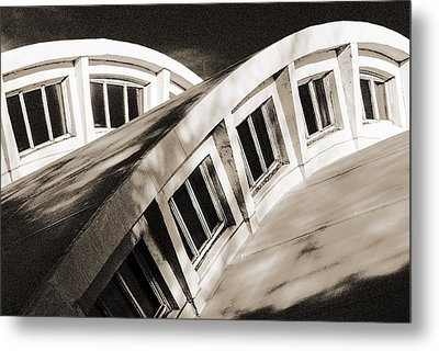 Curves Metal Print by Arkady Kunysz