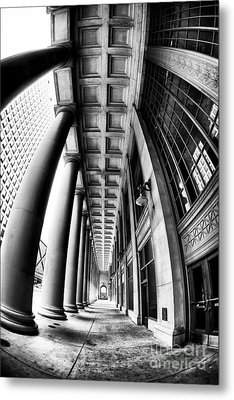 Curves At Union Station Metal Print by John Rizzuto