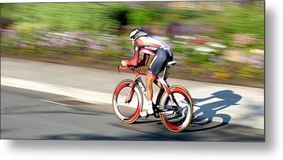 Metal Print featuring the photograph Cyclist Time Trial by Kevin Desrosiers