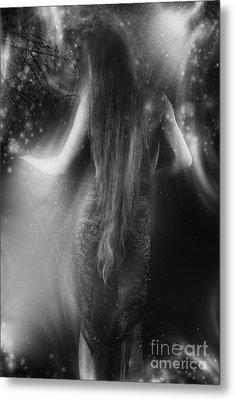 Dancing In The Moonlight... Metal Print by Nina Stavlund