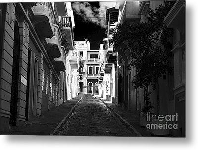 Dark Alley In San Juan Metal Print by John Rizzuto