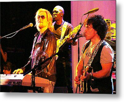 Daryl Hall And Oates In Concert Metal Print by Alice Gipson