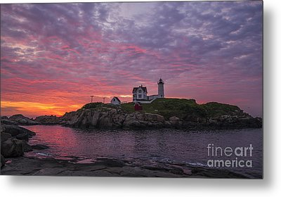 Dawn At The Nubble Metal Print