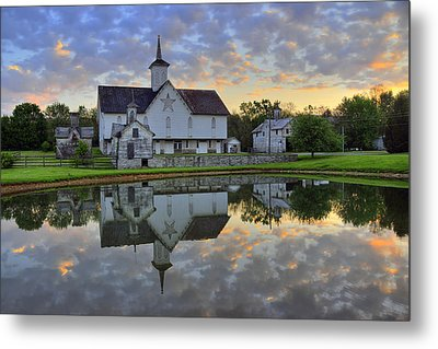 Dawn At The Star Barn Metal Print by Dan Myers