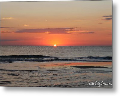 Metal Print featuring the photograph Dawn's Waves by Robert Banach