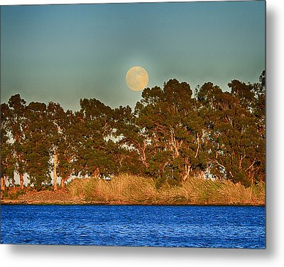 Delta Moonrise Metal Print