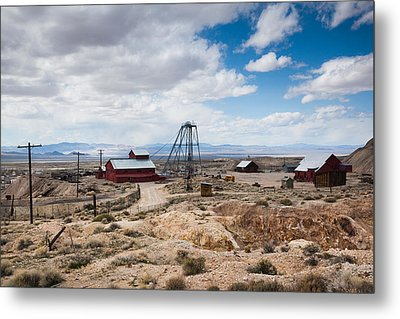 Desert Queen Hoist House And Mine Metal Print by Panoramic Images