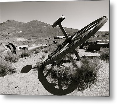 Desert Shadow Metal Print by Paul Foutz