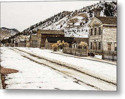 Deserted Street Metal Print by Sue Smith