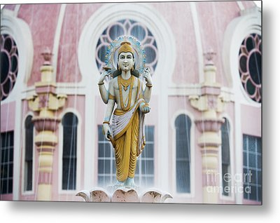 Dhanvantari Fountain Statue Puttaparthi India Metal Print by Tim Gainey