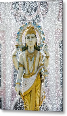 Dhanvantari Fountain Statue Puttaparthi Metal Print by Tim Gainey