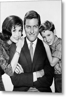 Dick Van Dyke And Mary Tyler Moore 1963 Metal Print