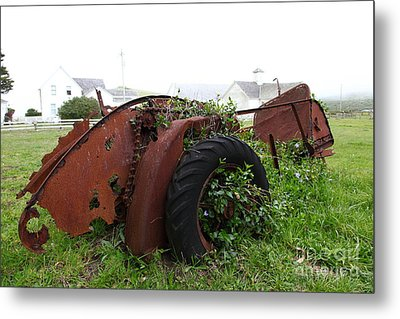 Dilapidated Farm Tractor At The Old Pierce Point Ranch In Foggy Point Reyes California 5d28120 Metal Print by Wingsdomain Art and Photography