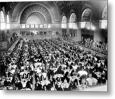Dinner For Two Thousand At Union Station In Washington Metal Print