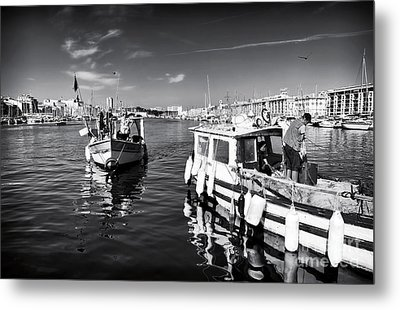 Docking At The Market Metal Print by John Rizzuto