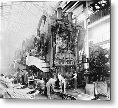 Dodge Brothers Automobile Factory, 1915 Metal Print by Science Photo Library