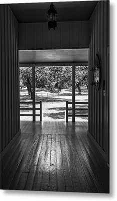 Dog Trot At Lbj Birthplace Bw Metal Print by Joan Carroll