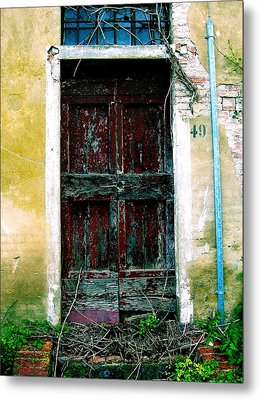 Doorway 49 Metal Print by Maria Huntley