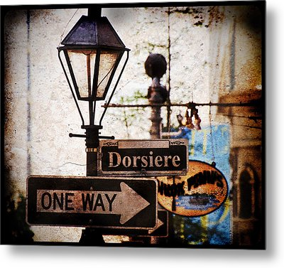 Metal Print featuring the photograph Dorsiere by Ray Devlin