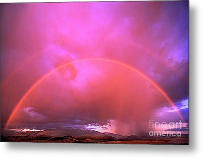 Double Rainbow Over Mount Shasta Metal Print by Dave Welling