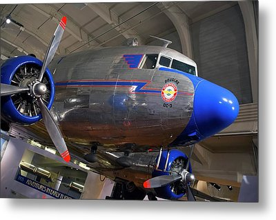 Douglas Dc-3 Aircraft Metal Print by Jim West