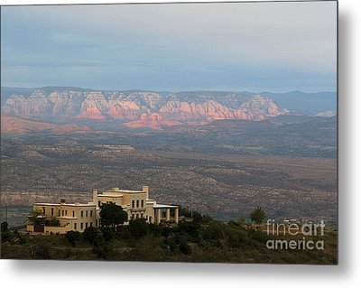 Douglas Mansion And Red Rocks Of Sedona Metal Print by Ron Chilston