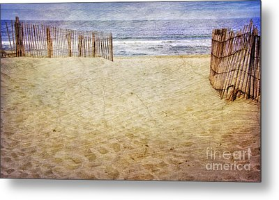Metal Print featuring the photograph Down The Shore by Debra Fedchin