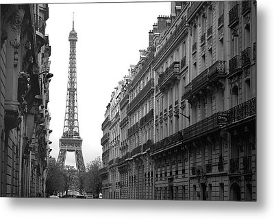 Metal Print featuring the photograph Down The Street by Lisa Parrish
