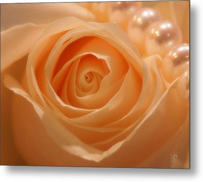 Metal Print featuring the photograph Draped In Pearls by Sami Martin